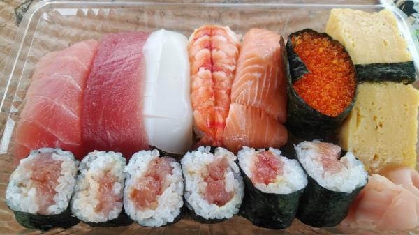 『栄寿司すし』の画像